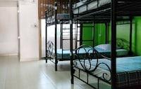 OYO 985 The Twins Hostel