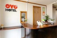 OYO Business Takahata Ekimae Hotel