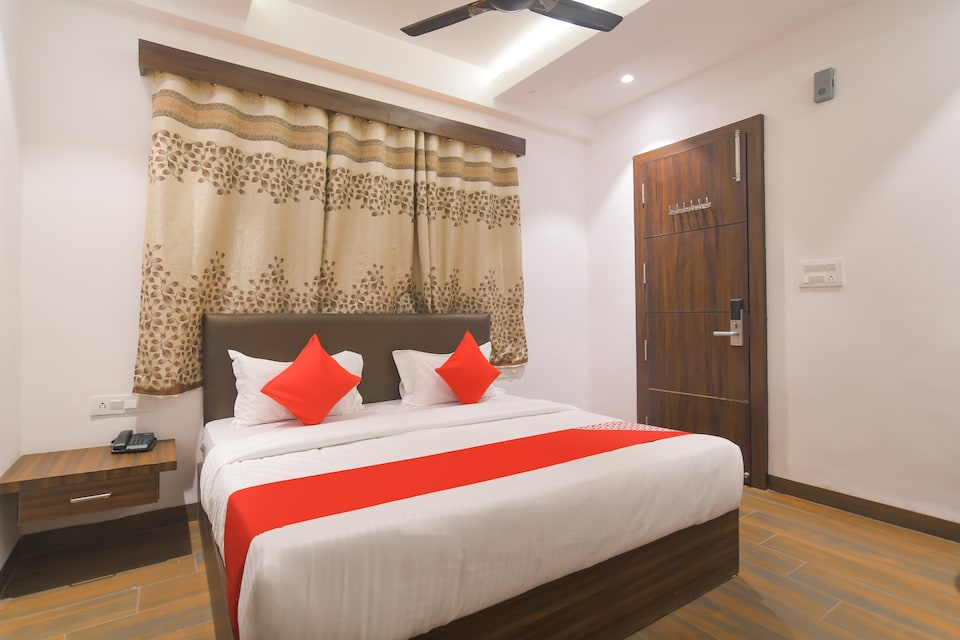 OYO 73467 The Rudraksh Inn, MG Road Indore, Indore