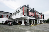 OYO 642 The Junction Tagaytay