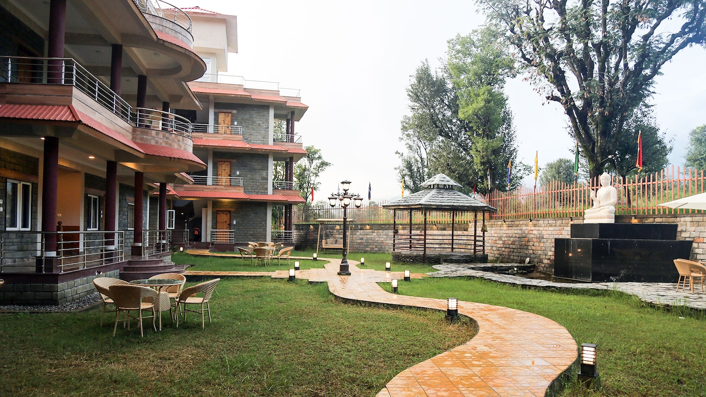 Oyo 6198 the quartz dharamshala dharamshala hotel - Hotels in dharamshala with swimming pool ...