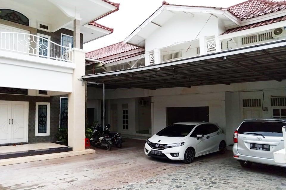 OYO 3741 Mutiara Syariah 1, Mataram, Lombok