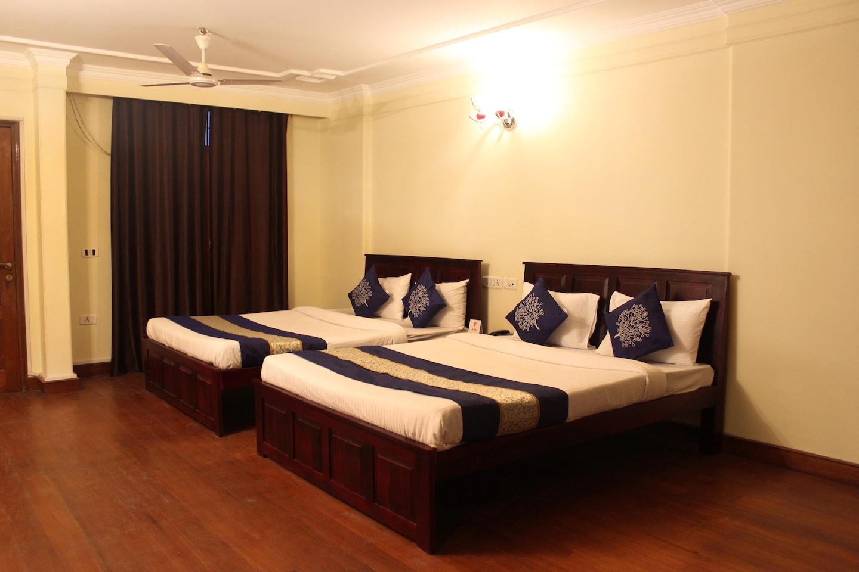 OYO Premium 608 GK2 M Block Market Room-1