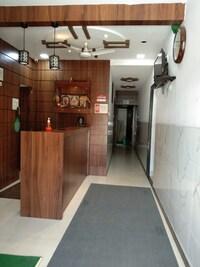 OYO 73675 Hotel Sai Samrat