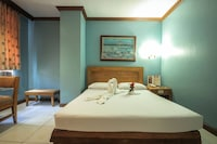 OYO 653 Rosas Garden Hotel