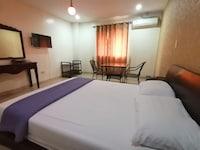 OYO 654 Golden Hotel