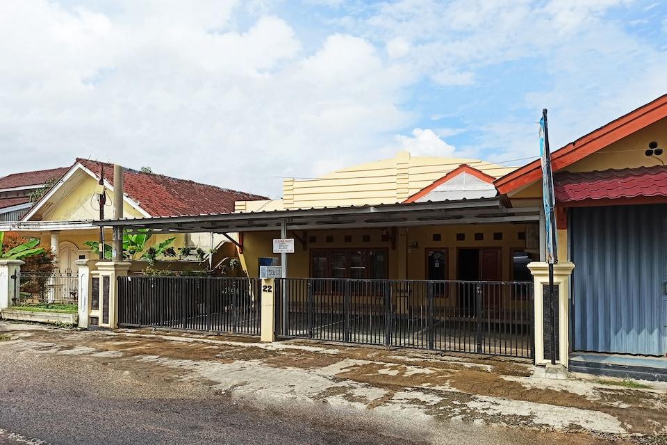 OYO 3761 Djayatama Guest House Syariah