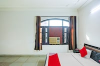 OYO 73745 Hotel Royal Green Residency