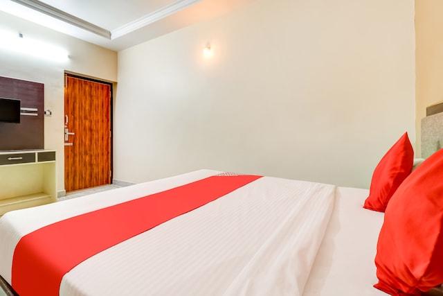 OYO 73781 Hotel Rafees