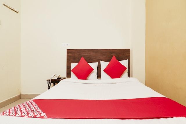 OYO 73783 Hotel Sai Pariwar
