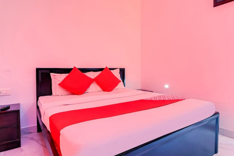 OYO 73801 Hotel Padmini Palace