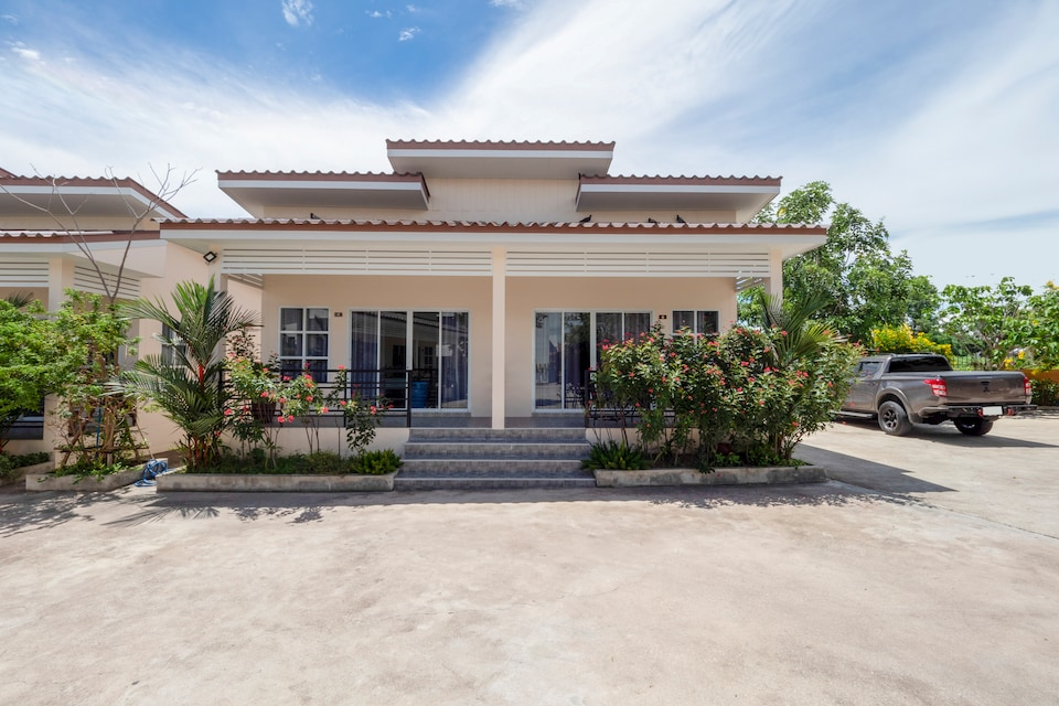 OYO 1048 Home And Garden Resort