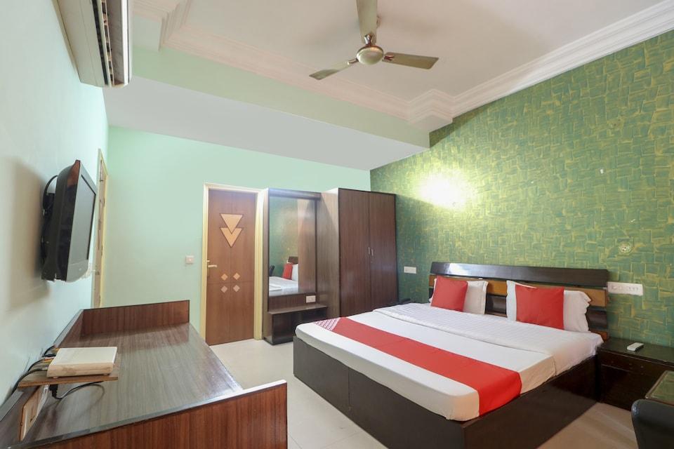 OYO 73819 Hotel Kingston, Zirakpur, Zirakpur