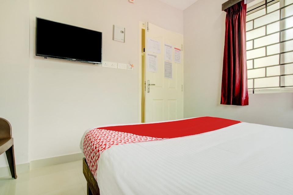 OYO 73858 Saligram Residency, Railway Station South Kochi, Kochi