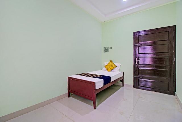 SPOT ON 73862 Jaya Tourist Home