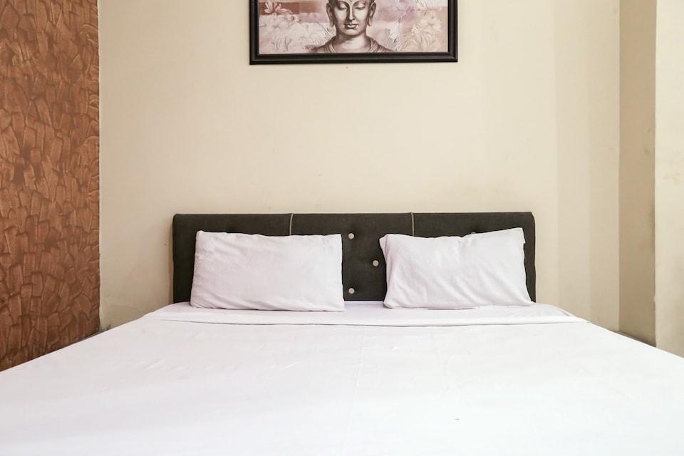 OYO 73872 Hotel Drishti Inn