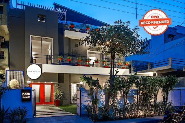 OYO Townhouse 004 Sector 51 Noida
