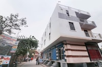 OYO Flagship 49326 Defence Colony Bhopura