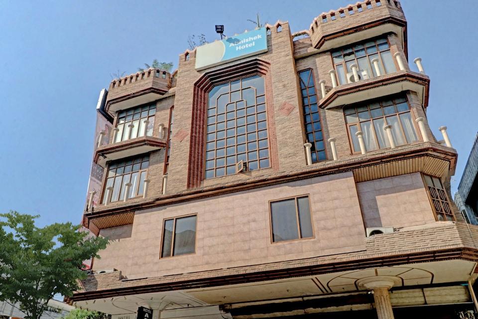 OYO 74073 Hotel Abhishek, CMC Hospital Ludhiana, Ludhiana