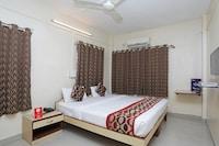 OYO 946 Royce Studio Apartments