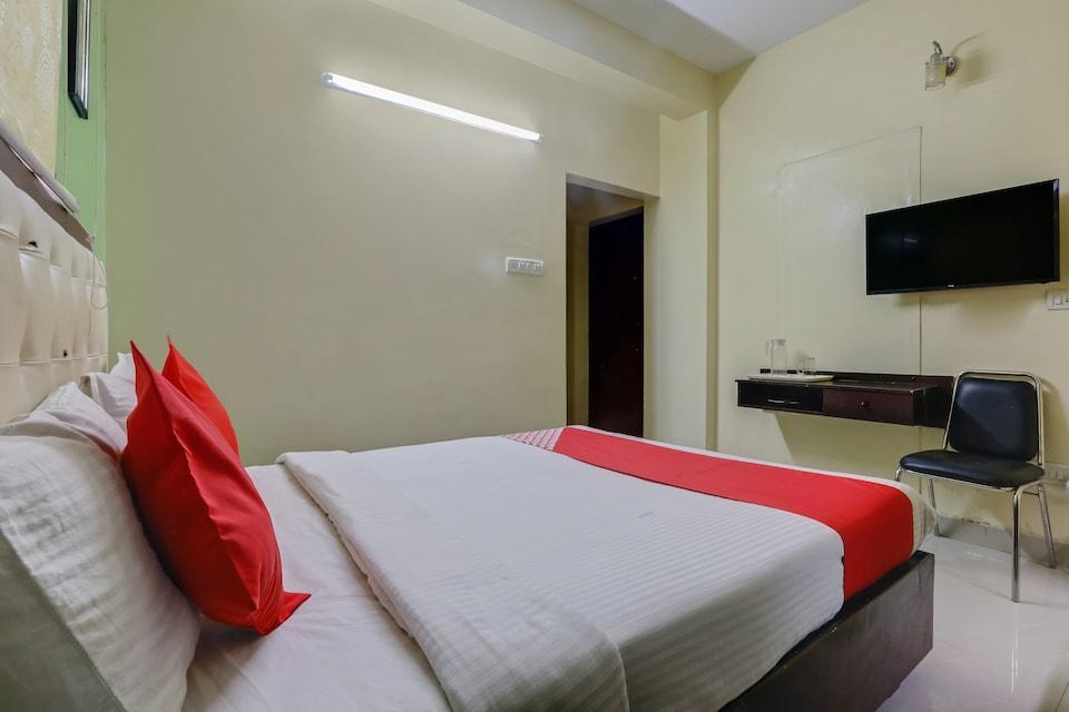 OYO 74081 Blue Moon Residency, Anna Nagar Chennai, Chennai