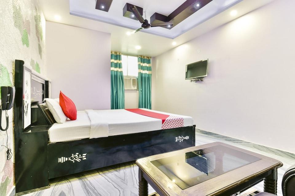 OYO 74115 Hotel Ganga Mahal Inn