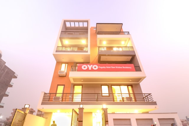 Oyo flagship 23252 Near Artemis Hospital