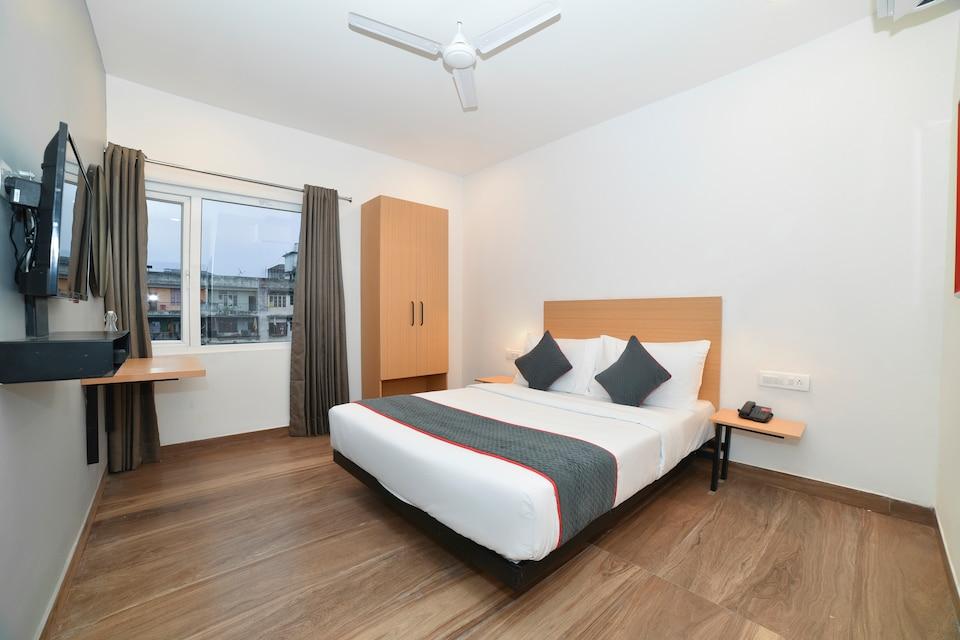 OYO Townhouse 384 N.K Hotels