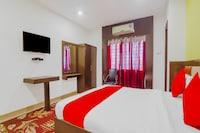 OYO 74184 Hotel Meredian Comfort Inn
