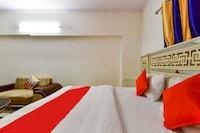 OYO 74227 Hotel Red Stone