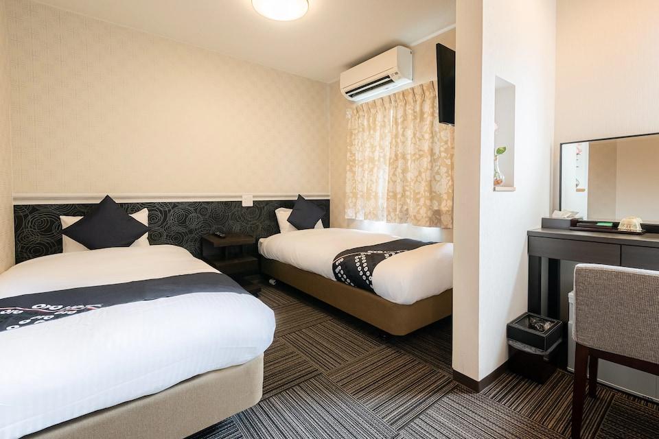 OYO 44809 Hotel Sunmarine