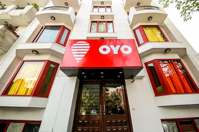 OYO Rooms 610 Green Park Extension
