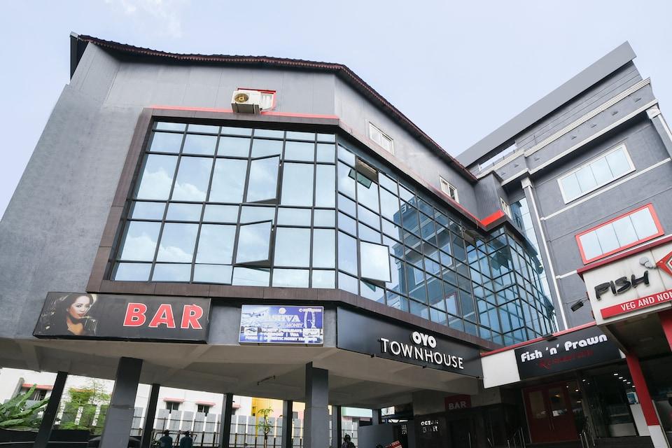 OYO Townhouse 142 Vadapalani