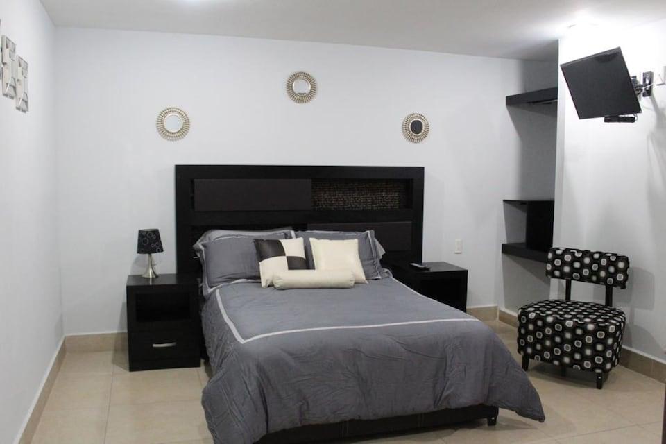CAPITAL OLowe Suites