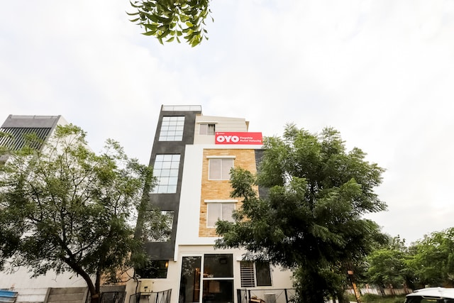 OYO Flagship 30861 Hotel Velocity Vijay Nagar