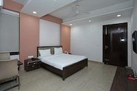 OYO 74392 Hotel Mahesh Residency