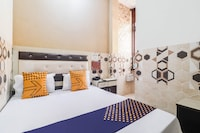 SPOT ON 74399 Hotel Vinamra
