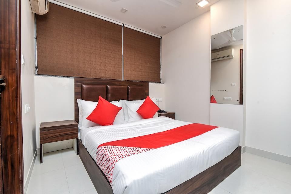 OYO Flagship 28752 Manjula Inn