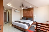 Collection O 50252 Hotel Simran Raghuveer Para