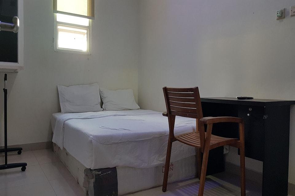 OYO 3838 Tamansari Guest House