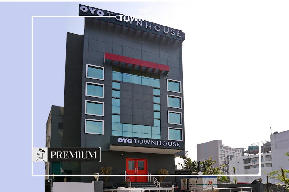 OYO Townhouse 199 Singapore Mall