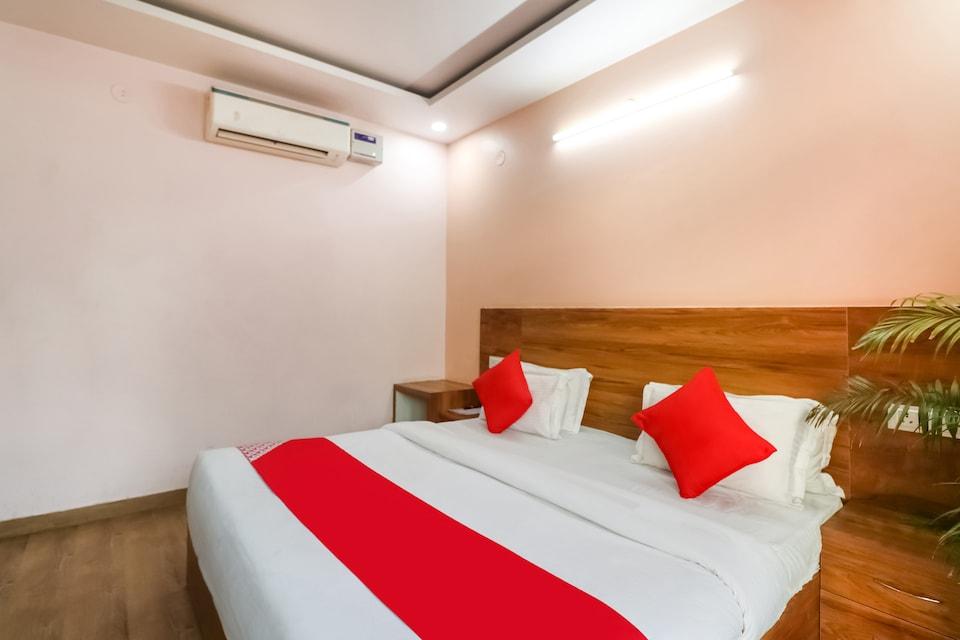 OYO 74557 Aqua Inn, Golf Course Road, Gurgaon