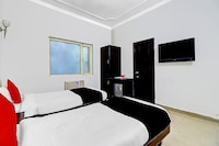 Capital O 74567 Hotel Maniram