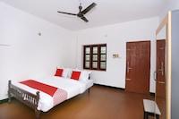 OYO Flagship 45302 Kaveri Tourist Home Guruvayur