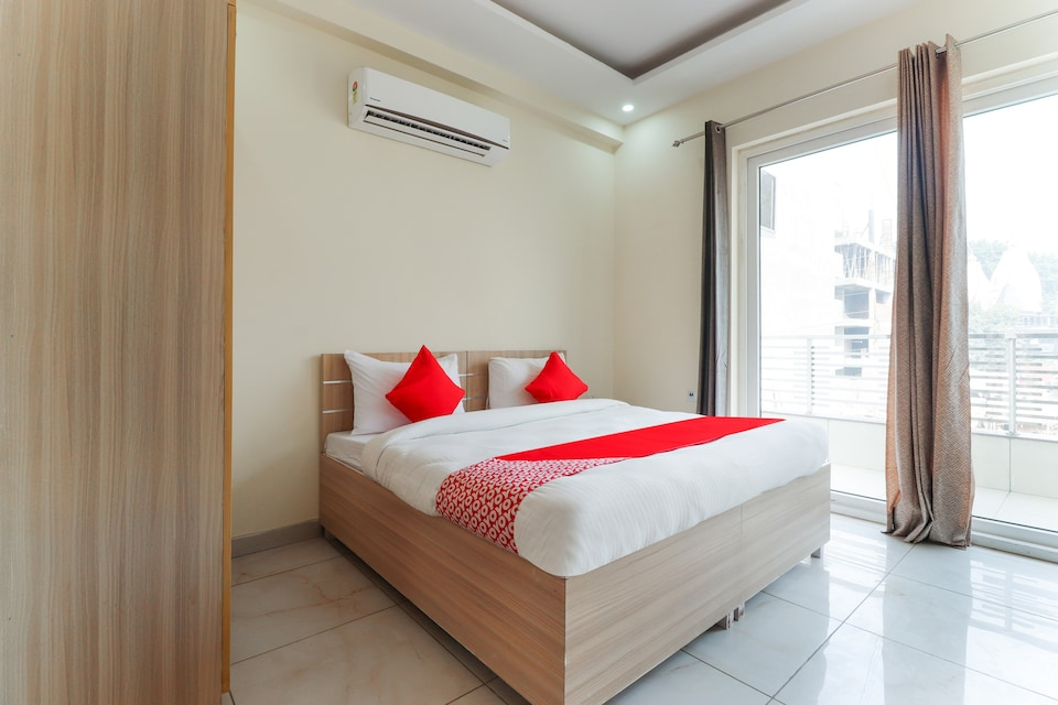 OYO 74868 Nalin Residency
