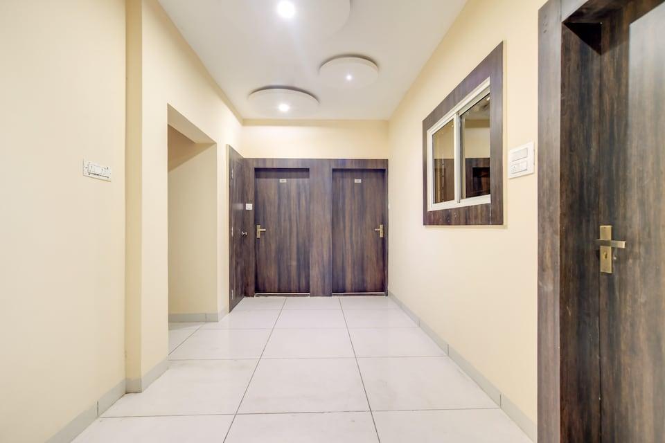 CAPITAL O74889 Hotel Solitude 24
