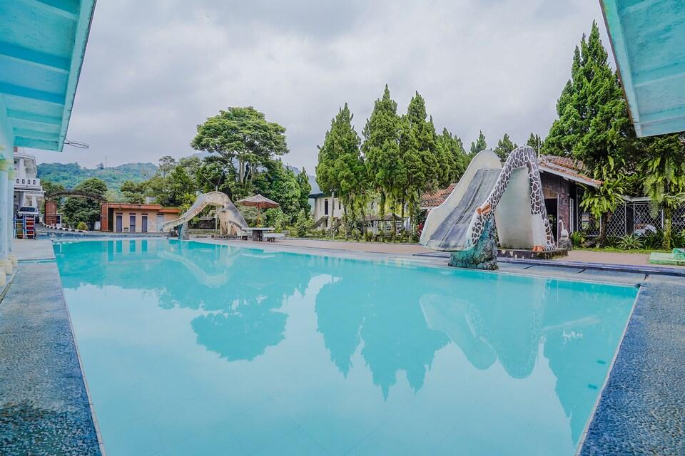 OYO 3889 D'ratna Resort