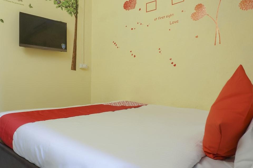 OYO 74900 R K Hotel