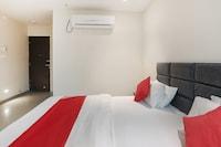 OYO 74901 Hotel Kumkum Palace