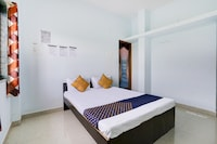 SPOT ON 74904 Hotel Kinara Loadging